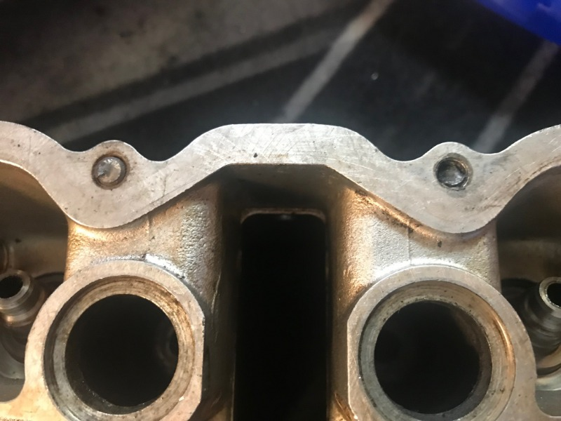 Cylindertoppavbrutnabultar.jpg